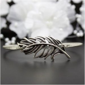 Jewelry - Antique Style Feather Wire Antique Silver Bangle